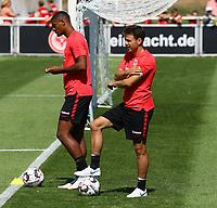 Sebastien Haller (Eintracht Frankfurt) und Nikolai Müller (Eintracht Frankfurt) - 24.07.2018: Eintracht Frankfurt Training, Commerzbank Arena