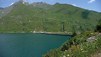 Piemonte,  Lago e diga di Morasco in alta Val Formazza<br /> Piedmont, Formazza valley, Lake Morasco and dam.
