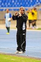 RIO DE JANEIRO, RJ,  24 DE JUNHO 2012 - CAMPEONATO BRASILEIRO - 6a RODADA - BOTAFOGO X PONTE PRETA - Gilson Kleina, treinador da Ponte Preta, durante partida contra o Botafogo, pelo Campeonato Brasileiro, 6a rodada, no Stadium Rio (Engenhao), na cidade do Rio de Janeiro, neste domingo, 24. FOTO BRUNO TURANO  BRAZIL PHOTO PRESS