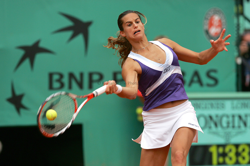 Photo: Iconsport/Richard Lane Photography..French Open, Roland Garros 2007. 31/05/2007..Amelie Mauresmo returns.