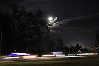 TOCANCIPA-COLOMBIA, 6-DICiEMBRE-2014. Aspecto general de la carrera Seis horas Motor Mobil 1 que ganaron  Los pilotos  antioquenos  Juan Gonzalez , Juan Alzate y Gabby Chavez  ,Class FL3 2.001 cc en adelante, Marca Niko Salamandra , patrocinador Niko-La Pista-Aviomar-Carboniabstore-Ussaco-Zeuss ,se impusieron en las Seis Horas Motor-Mobil 1 que se disputo en el autodromo de Tocancipa con la participacion de mas de 50  pilotos . / General view of the race Mobil 1 Motor Six hours that won pilots Juan Gonzalez, Juan Alzate and Gabby Chavez of Antioquia , FL3 2,001 cc Class hereinafter Salamandra Brand Niko, Niko-sponsor Head-Aviomar-Carboniabstore-Ussaco-Zeuss, is imposed in the Six Hours Mobil 1 Motor was played at Autodrome Tocancipa with the participation of over 50 pilots.Photo / VizzorImage / Felipe Caicedo  / Staff