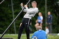 FIERLJEPPEN: WINSUM: 28-07-2020, 2e Klasse Fierljeppen, ©foto Martin de Jong