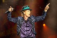 PORTO ALEGRE, RS, 02.03.2016 - SHOW-RS - O vocalista Mick Jagger durante show da banda britânica The Rolling Stones no estádio do Beira Rio, na cidade de Porto Alegre na noite desta quarta-feira (02). (Foto: Carlos Ferrari/Brazil Photo Press)