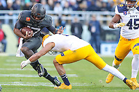 Baltimore, MD - December 10, 2016: Army Black Knights quarterback Ahmad Bradshaw (17) in action during game between Army and Navy at  M&T Bank Stadium in Baltimore, MD.   (Photo by Elliott Brown/Media Images International)