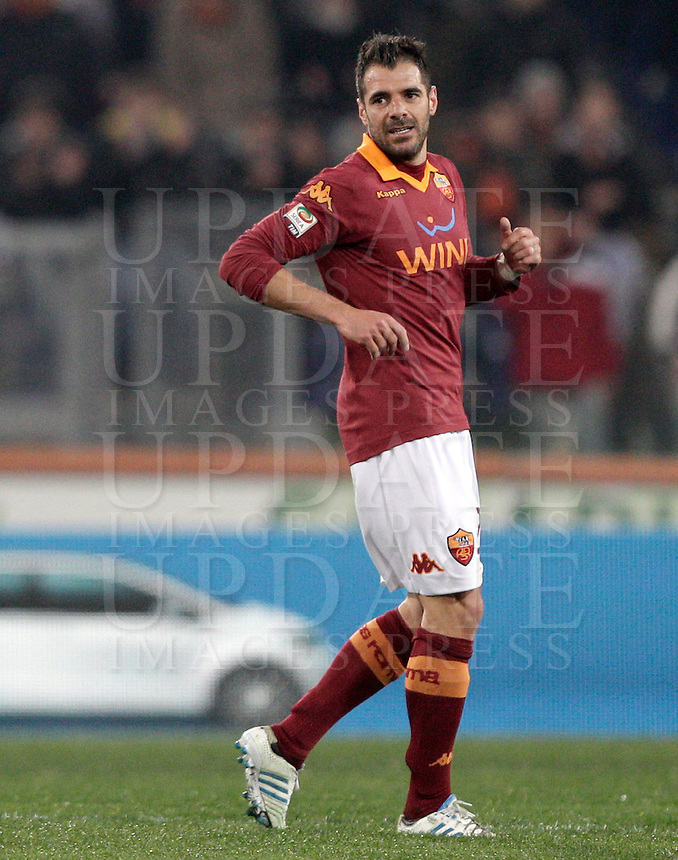 Calcio, Serie A: Roma vs Genoa. Roma, stadio Olimpico, 3 marzo 2013..AS Roma midfielder Simone Perrotta reacts after scoring during the Italian Serie A football match between AS Roma and Genoa at Rome's Olympic stadium, 3 March 2013..UPDATE IMAGES PRESS/Riccardo De Luca