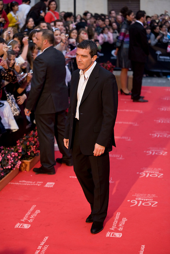 Spanish film actor Antonio Banderas pauses on the red carpet during 12 Festival de Málaga Cine Español 2009, Saturday, April 18, 2009, in Málaga, Spain. (Eduard Ockerse/pressphotointl.com)