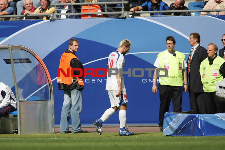 FIFA WM 2006 - Gruppe E ( Group E )<br /> Play #41 (22-Jun) - Czech Republic vs Italy.<br /> Jan Polak (M) from Czech Republic leaves the pitch after he has seen the red card during the match of the World Cup in Hamburg.<br /> Foto &copy; nordphoto