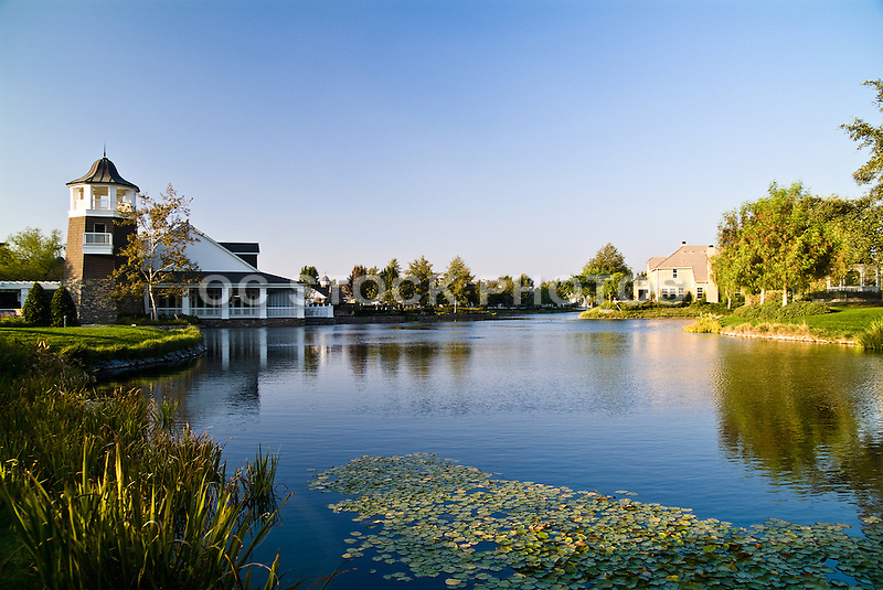 Bridgeport Clubhouse And Lakeside Living At Valencia
