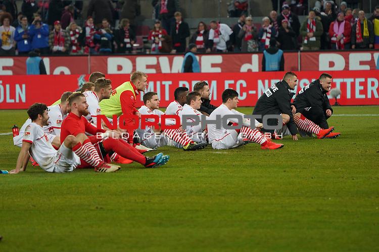 08.02.2019, RheinEnergieStadion, Koeln, GER, 2. FBL, 1.FC Koeln vs. FC St. Pauli,<br />  <br /> DFL regulations prohibit any use of photographs as image sequences and/or quasi-video<br /> <br /> im Bild / picture shows: <br /> die koelner bedanken sich bei den Fans <br /> <br /> Foto &copy; nordphoto / Meuter