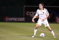Todd Dunivant controls the ball. San Jose Earthquakes tied Los Angeles Galaxy 1-1 at the McAfee Colisum in Oakland, California on April 18, 2009.