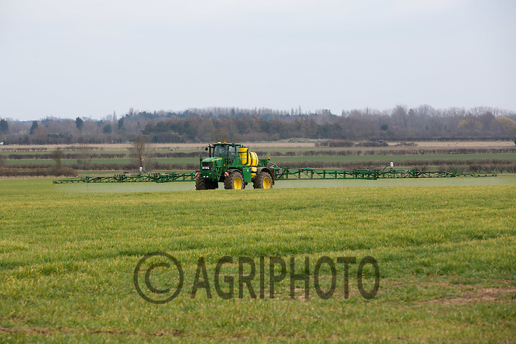 Spraying herbicide on Winter cereals <br /> Picture Tim Scrivener 07850 303986 <br /> scrivphoto@btinternet.com<br /> &hellip;.covering agriculture in the UK&hellip;.