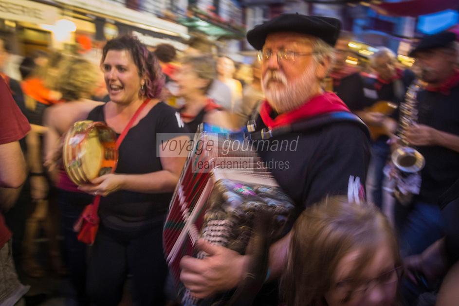 France, Pyrénées-Atlantiques (64), Pays-Basque, Saint-Jean-de-Luz, lors des Fêtes de la Saint-Jean, // France, Pyrenees Atlantiques, Basque Country, Saint Jean de Luz, during St John's Eve,
