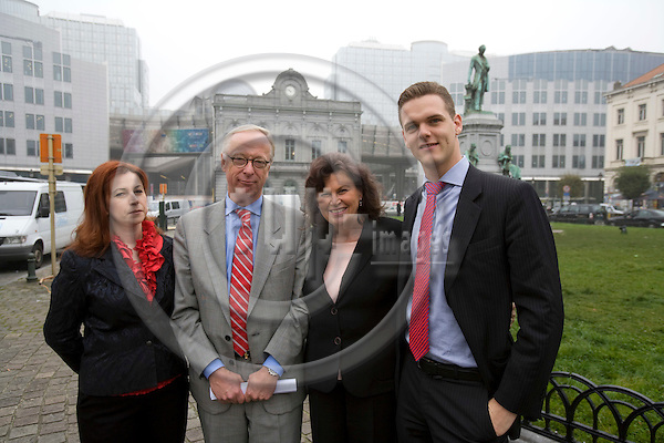 BRUSSELS - BELGIUM - 11 OCTOBER 2007 -- The Swedish MEPs seen from left is Anna IBRISAGIC, Gunnar HÖKMARK, Charlotte CEDERSCHIÖLD and Christofer FJELLNER at Place Luxembourg with the parliament in the background. Photo: Erik Luntang/EUP-IMAGES