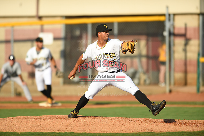 Bristol Pirates relief pitcher Luis Arrieta (25) delivers a pitch against the Pulaski Yankees at Boyce Cox Field on July 8, 2019 in Bristol, Virginia. The Yankees defeated the Pirates 5-0. (Tracy Proffitt/Four Seam Images)