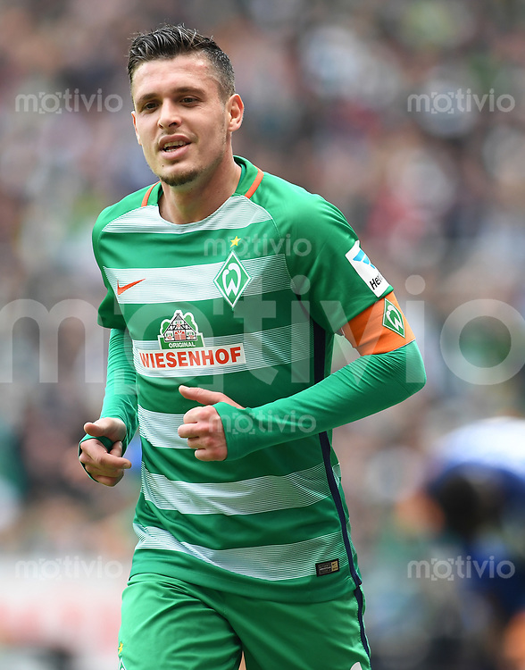 FUSSBALL     1. BUNDESLIGA      31. SPIELTAG    SAISON 2016/2017  SV Werder Bremen - Hertha BSC Berlin                          29.04.2017 Zlatko Junuzovic (SV Werder Bremen)