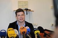 SCHAATSEN: ORANJEWOUD: 28-03-2014, Persconferentie Sven Kramer, ©foto Martin de Jong
