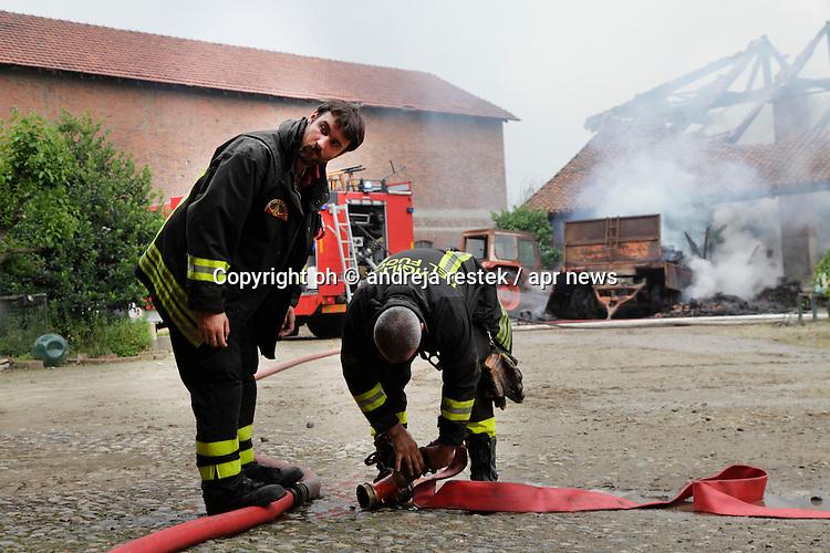 incendio stupinigi ( ph andrjea retsek / apr news