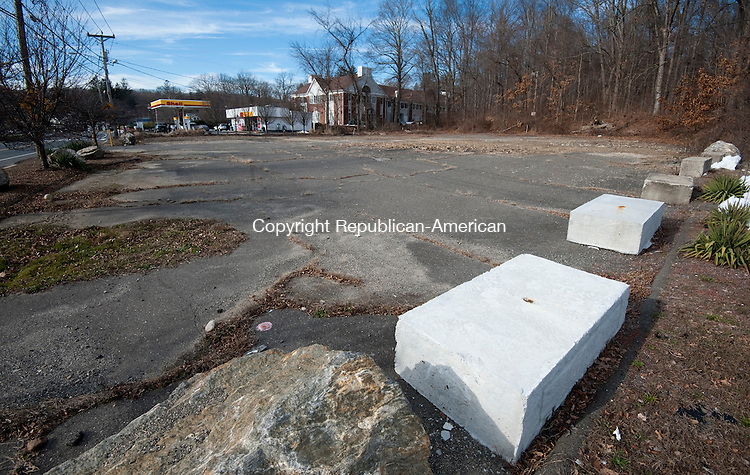 MIDDLEBURY, CT--- -010716JS04--The former site of Johnny's Dairy Bar at 512 Middlebury Road in Middlebury. <br /> Jim Shannon Republican-American