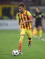 FUSSBALL  CHAMPIONS LEAGUE   SAISON 2013/2014   Vorrunde     AC Mailand - FC Barcelona       22.10.2013 Neymar (Barca) am Ball