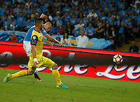 Marek Hamsik  shoots and scores during the  italian serie a soccer match,between SSC Napoli and AC Chievo       at  the San  Paolo   stadium in Naples  Italy , September 25, 2016