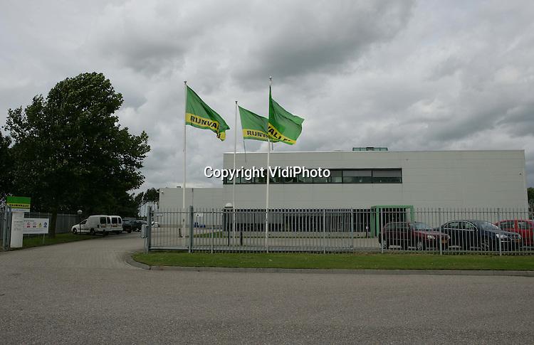 Foto: VidiPhoto..WAARDENBURG - De vestiging van Rijnvallei in Waardenburg.