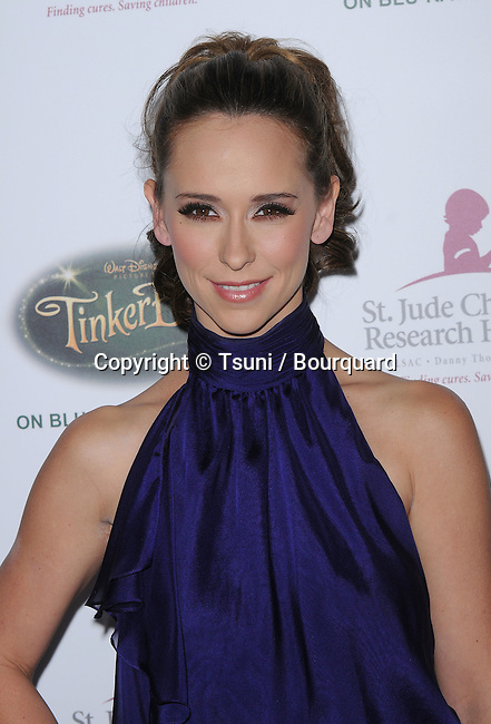 Jennifer Love Hewitt  -<br /> Runway For Life Benefiting the St Jude Children  Hospital at the Beverly Hilton Hotel In Los Angeles.