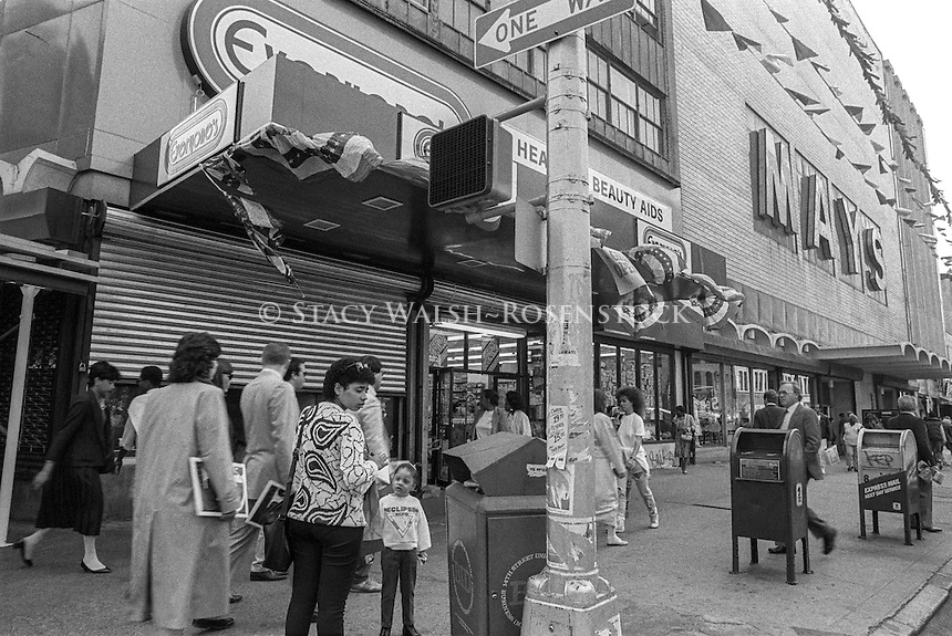 New York, NY - 15 May 1987 - Shoppers outside May's Department store on 14th Street, Union Square