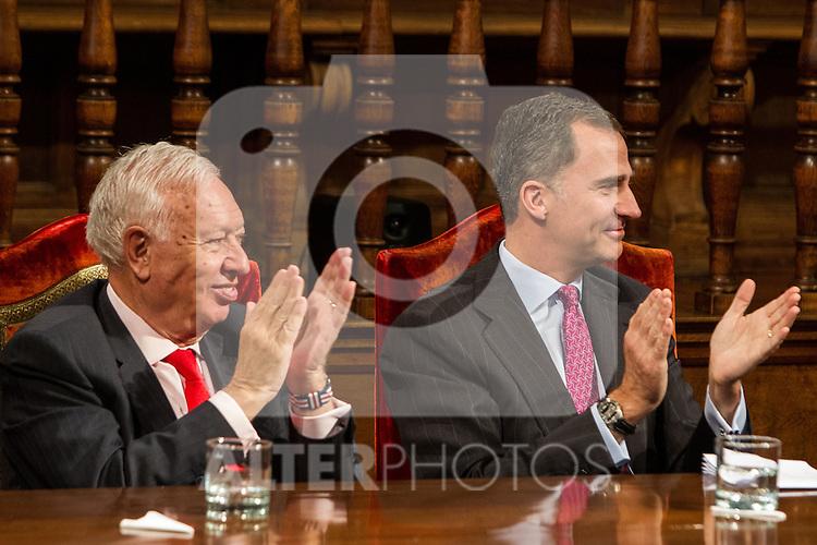 Spanish king, Felipe VI, spanish external subjects minister, José Manuel García-Margallo during the Quevedos iberoamerican award of grafic humor 2014. May 26,2016. (ALTERPHOTOS/Rodrigo Jimenez)