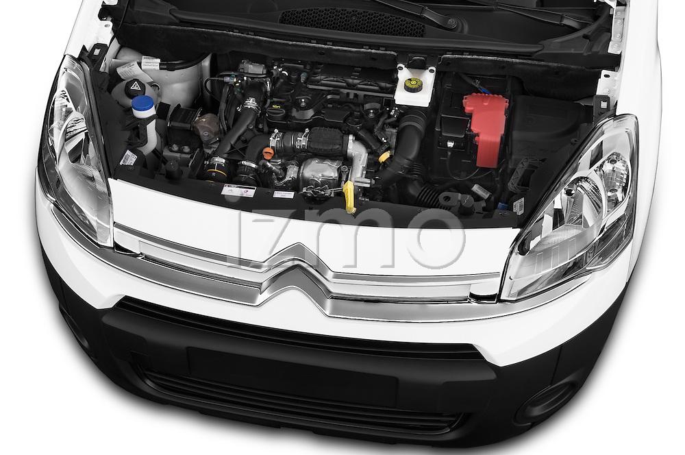 Car Stock 2015 Citroen BERLINGO 1.6 VT 4 Door Car Van Engine high angle detail view
