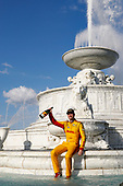 Ryan Hunter-Reay, Andretti Autosport Honda takes a splash in the Scott Fountain, podium