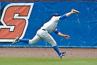 June 11, 2011:    Florida Gators inf/of Preston Tucker (25) stretches out for a catch in right field during NCAA Gainesville Super Regional Game 2 action between Florida Gators and Mississippi State Bulldogs played at Alfred A. McKethan Stadium on the campus of Florida University in Gainesville, Florida.   Mississippi State defeated Florida 4-3.........