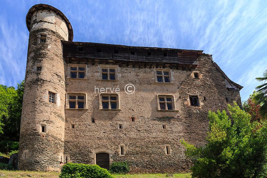 France, Cantal (15), Vieillevie, façade du château fort (XIII siècle) remanié à la Renaissance // France, Cantal, Vieillevie, the castle
