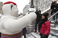 La mairesse de Montreal, Valerie Plante, participe a une seance de prises d'images en compagnie du Bonhomme Carnaval le mardi 16 janvier 2018,  en face de l'Hotel de ville de Montreal.<br /> <br /> PHOTO : agence quebec presse