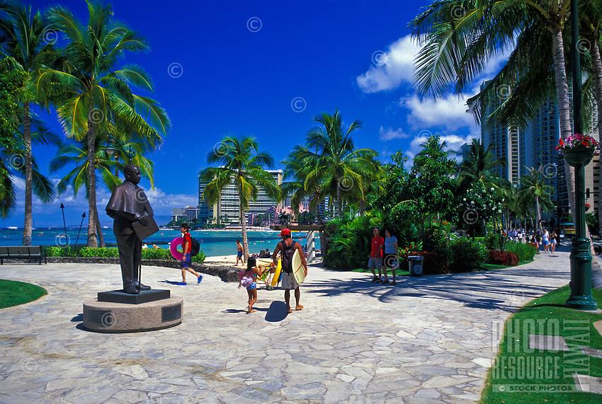 Statue of Prince Jonah Kuhio Kalaniana ole on the Waikiki Historic Trail.