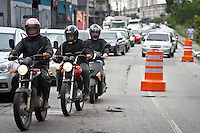 SÃO PAULO,SP,17 JANEIRO 2013 - TRANSITO - Transito intenso na manha desta na Av. Doutor Francisco Mesquita sentido centro. FOTO ALE VIANNA - BRAZIL FOTO PRESS