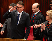 BRASILIA, DF, 10.12.2018 - BOLSONARO-DIPLOMA-    Solenidade de diplomação do presidente da República, Jair Bolsonaro e do vice-presidente, general Hamiltom Mourão no TSE, Tribunal Superior Eleitoral, pela presidente do Tribunal, ministra Rosa Weber, nesta segunda, 10.(Foto:Ed Ferreira / Brazil Photo Press)