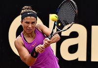 BOGOTA - COLOMBIA – 11 – 04 - 2017: Sara Errani de Italia, devuelve la bola a Ekaterina Alexandrova de Rusia, durante partido por el Claro Colsanitas WTA, que se realiza en el Club Los Lagartos de la ciudad de Bogota. / Sara Errani from Italy returns the ball to Ekaterina Alexandrova from Rusia, during a match for the WTA Claro Colsanitas, which takes place at Los Lagartos Club in Bogota city. Photo: VizzorImage / Luis Ramirez / Staff.