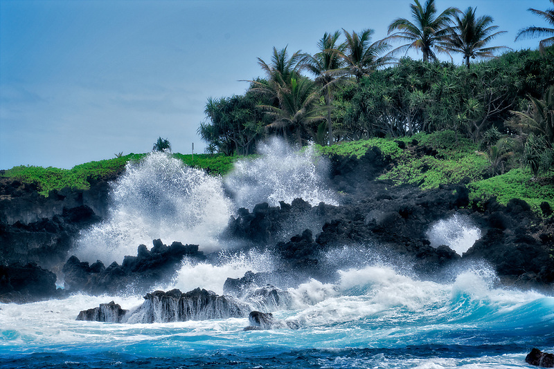 Coastline and waves from Waiananappa Trail. Maui, Hawaii