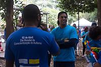 SÃO PAULO, SP, 02.04.2017 -DIA-AUTISMO - Caminhada em comemoração ao dia mundial da conscentização do autismo, na Av.Paulista, zona sul de São Paulo, neste domingo, 02.(Foto: Darcio Nunciatelli/Brazil Photo Press)