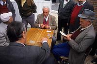 Europe/Espagne/Castille/Madrid : Plaza de Santa Ana - Joueurs de cartes