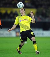 FUSSBALL   CHAMPIONS LEAGUE   SAISON 2011/2012  Borussia Dortmund - Olympique Marseille   06.12.2011 Robert Lewandowski (Borussia Dortmund) Einzelaktion am Ball