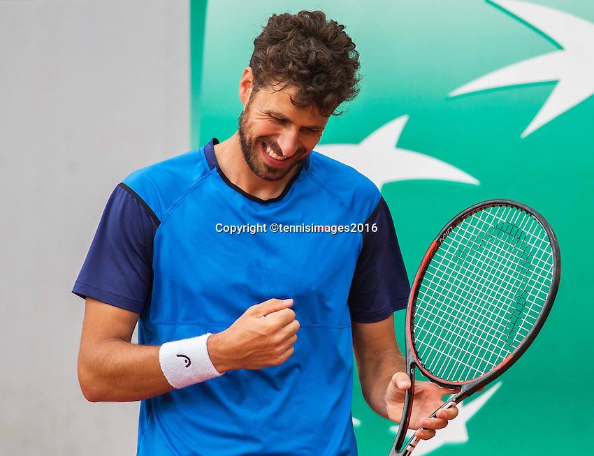 Paris, France, 23 june, 2016, Tennis, Roland Garros, Robin Haase (NED) reacts<br /> Photo: Henk Koster/tennisimages.com