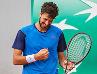 Paris, France, 23 june, 2016, Tennis, Roland Garros, Robin Haase (NED) reacts<br /> Photo: Henk Koster/tennisimages.com