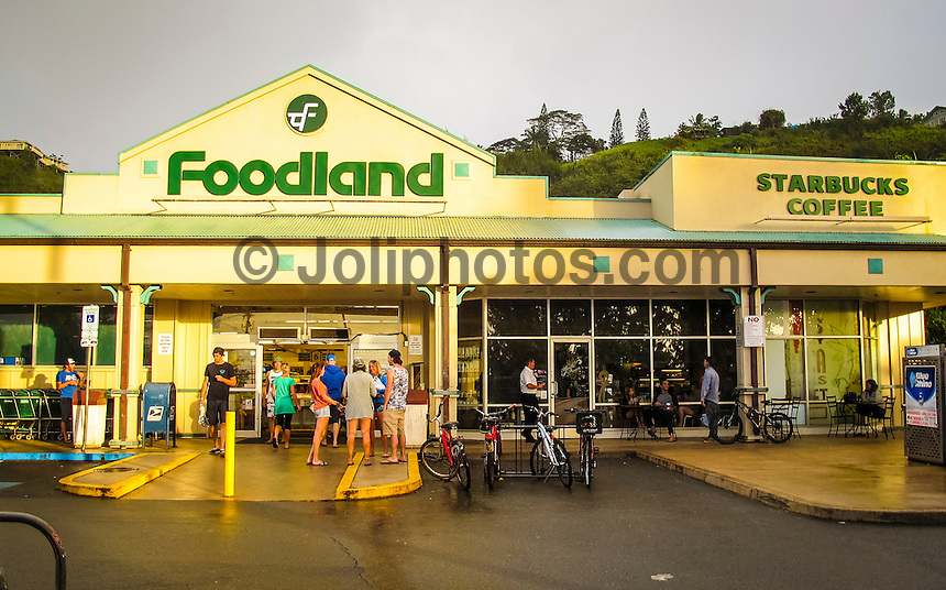 HONOLULU - (Monday, December 31, 2012) Foodland supermarket and Starbucks Coffee shop on the North Shore. The North Shore of Oahu, Hawaii where surfers flock from around the planet for the winter waves. Photo: joliphotos.com