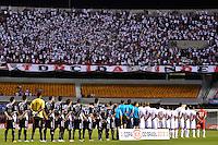 SÃO PAULO, SP, 10 DE MAIO DE 2012 - COPA DO BRASIL - SÃO PAULO x PONTE PRETA: Jogadores dos dois times  durante partida São Paulo x Ponte Preta, válido pelas oitavas de final da Copa do Brasil em jogo realizado no Estádio do Morumbi. FOTO: LEVI BIANCO - BRAZIL PHOTO PRESS