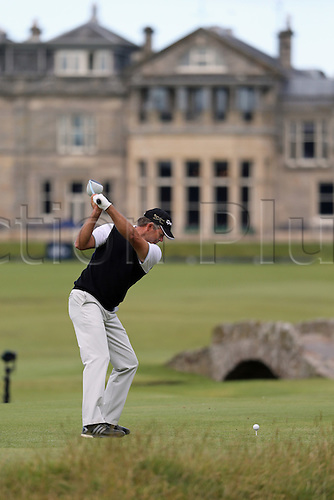 19.07.2015. Old Course, St Andrews, Fife, Scotland.  Retief Goosen of South Africa in action on the 18th hole during the third round of the 144th British Open Championship at the Old Course, St Andrews in Fife, Scotland.