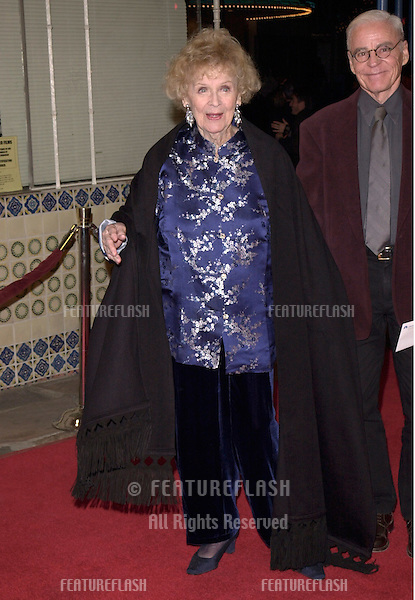 "12DEC99:  ""Titanic"" star GLORIA STUART at the Los Angeles premiere of ""The Talented Mr. Ripley."".© Paul Smith / Featureflash"