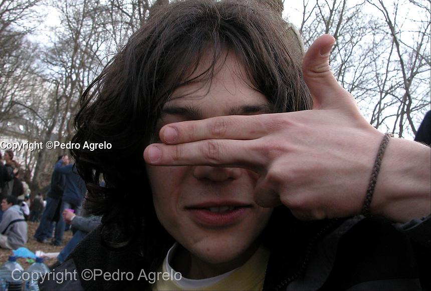 Un joven en la fiesta de la Carballeira en Lugo