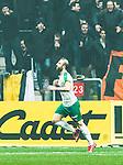 Solna 2015-03-07 Fotboll Allsvenskan AIK - Hammarby IF :  <br /> Hammarbys Kennedy Bakircioglu firar sitt 1-1 m&aring;l framf&ouml;r AIK:s supportrar  under matchen mellan AIK och Hammarby IF <br /> (Foto: Kenta J&ouml;nsson) Nyckelord:  AIK Gnaget Friends Arena Svenska Cupen Cup Derby Hammarby HIF Bajen jubel gl&auml;dje lycka glad happy supporter fans publik supporters