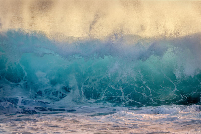 Large ocean waves. Hawaii Island.
